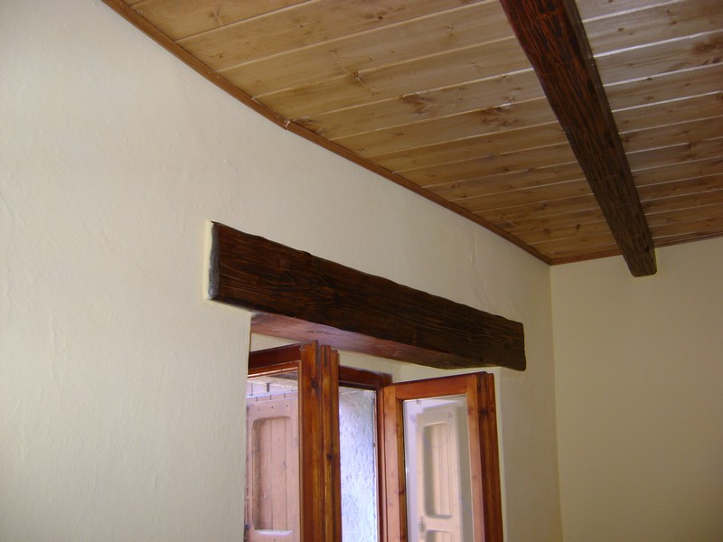 Soffitti In Legno Lamellare : Travi per soffitto latest travi decorative in poliuretano per