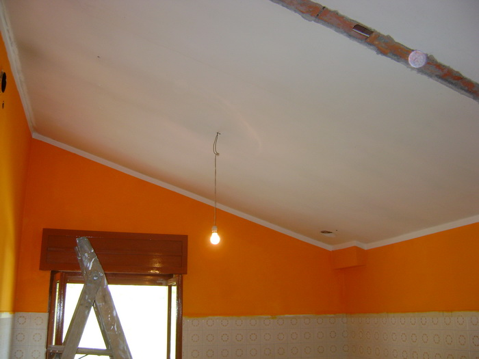 Cartongesso soffitto inclinato: cartongesso su soffitto inclinato