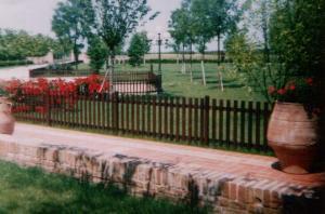 Steccato Per Giardino : Rs service arredo da giardino grigliati e recinzioni